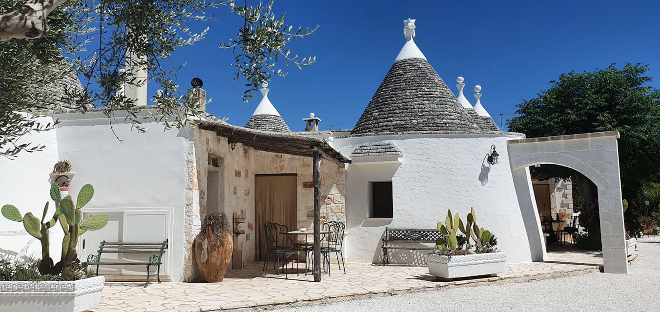 Puglia: dormire in un trullo tipico in Valle d'Itria